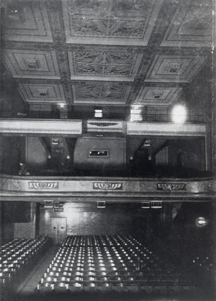 La salle en 1922 - la Construction moderne, 26 mars 1922 (collection Jean-Marcel Humbert)