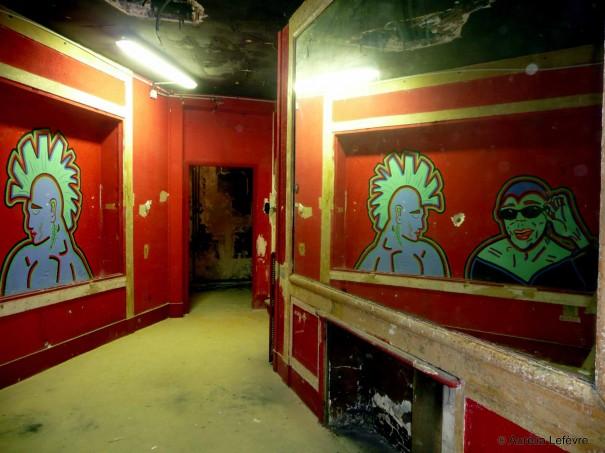 Reste de décor de la boîte de nuit Megatown