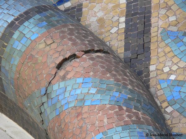 Dégradation des mosaïques situées au dessus de l'oeil-de-boeuf