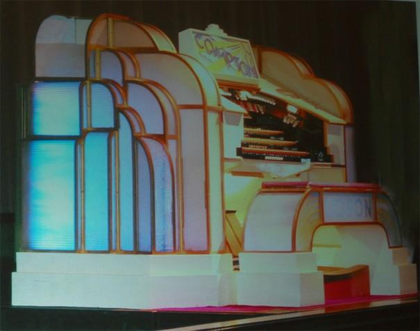 Une spectaculaire console Compton présentée par Bernard Dargassies