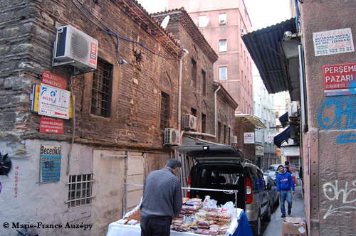 La rue Mehkémé, maintenant rue Galata Mahkemesi