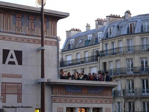 17 avril vers 20 heures , la terrasse prise d'assaut