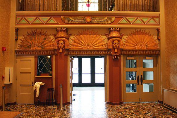 Le hall de l'Egyptian Theater