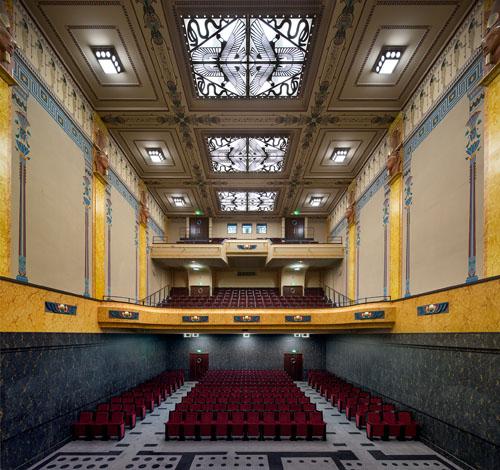 The main auditorium. Photo Luc Boegly© éditions A.A.M