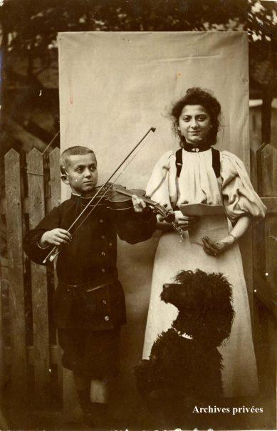 Marius enfant, avec sa sœur Jeanne